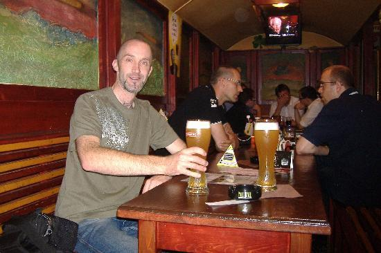 Prvni Pivni Tramway (First Beer Tramway) : enjoy a beer with the locals