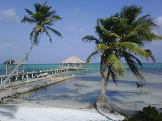 Ak'bol Yoga Retreat & Eco-Resort: Beautiful scenery sitting from Ak Bol beach area