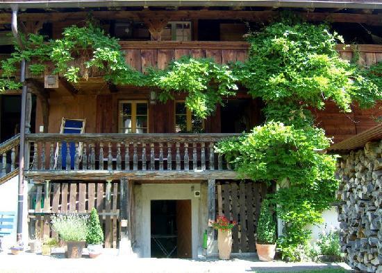 Lavendelhaus: Side of house