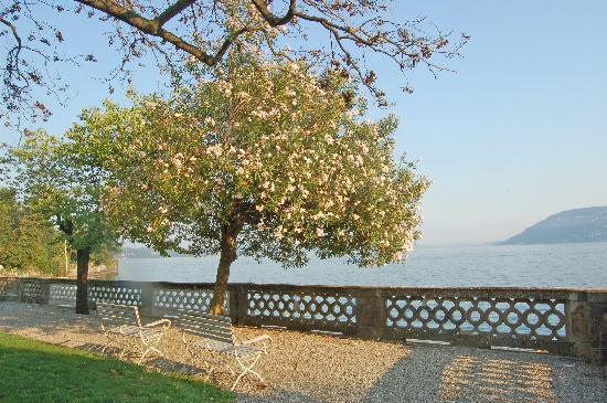 جراند هوتل ماجيستيك: Vue sur le lac Majeur de l'hôtel