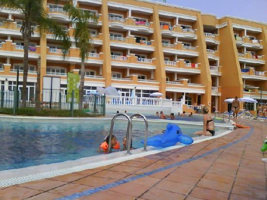 Hotel Chatur Playa Real: view round pool