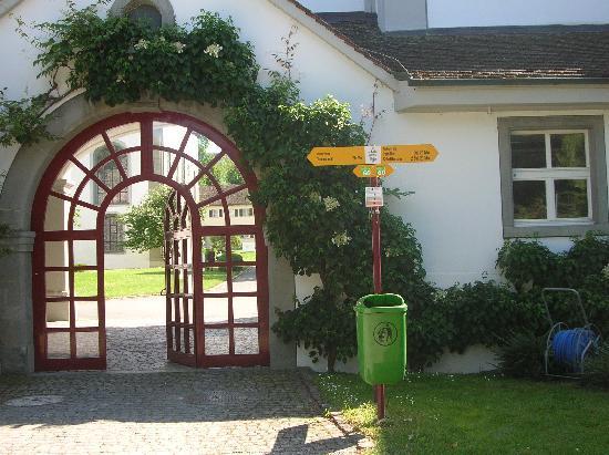 Diessenhofen, Thụy Sỹ: moderner Toreingang zum Kloster St. Katharinental