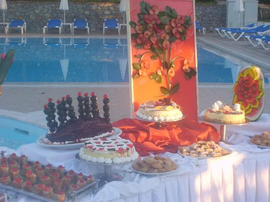 King Minos Palace Hotel: The BBQ night