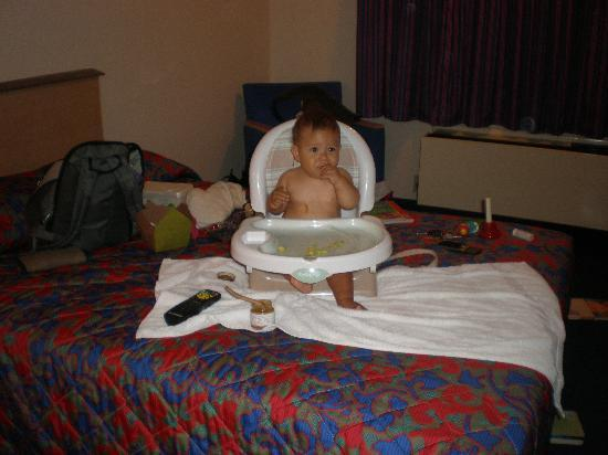 Red Roof Inn Erie: Comfortable for a Baby