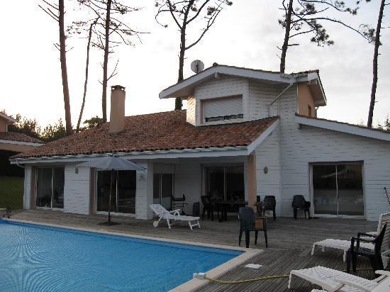 exterieur maison picture of madame vacances villas club. Black Bedroom Furniture Sets. Home Design Ideas