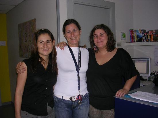 Alberguinn Sants Youth Hostel : Las dueñas del Albergue - Muy amables!