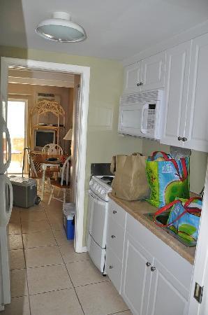Colony Inn: Colony Kitchen Room c8