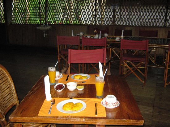 Pangkalan Bun, Indonesia: Dining room & breakfast