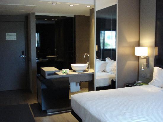 salle de bain ouverte sur chambre - picture of ac hotel sants ... - Salle De Bain Ouverte Dans Chambre