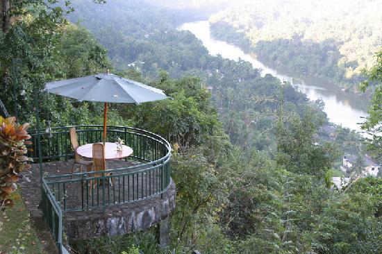 Villa Rosa: Hoch ueber dem Mahaweli
