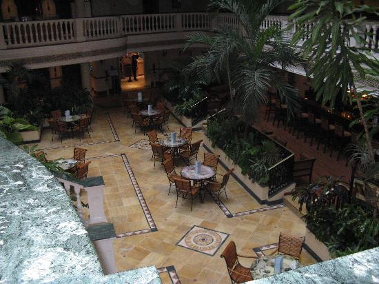 IBEROSTAR Parque Central: Bar Parque Central