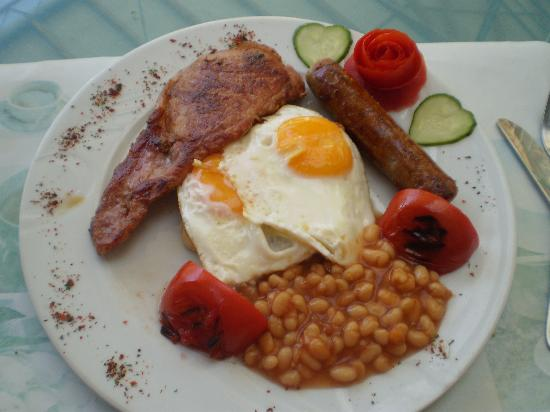 Green House Apart Hotel: Full english breakfasts here are delicious =D