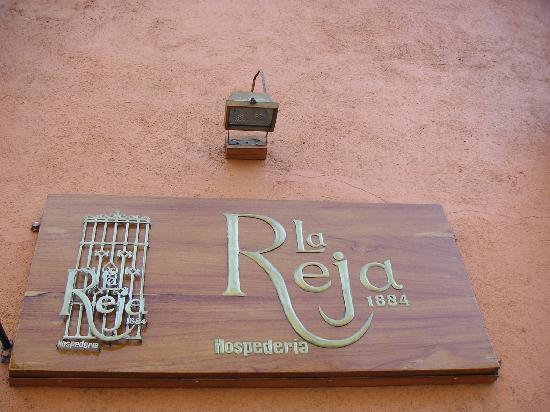 Hospederia La Reja: Sign