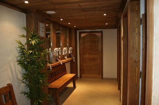 Les Clarines Residence and Spa : vestiaire