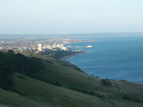 Истборн, UK: view of Eastbourne from Beachy Head
