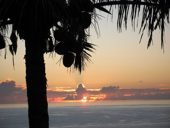 Cook Islands: Sunrise from Mandalay