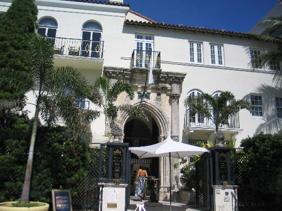 Versace 39 s house picture of miami tour company miami for Versace mansion miami tour