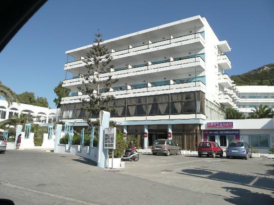 Belair Beach Hotel: facciata anteriore