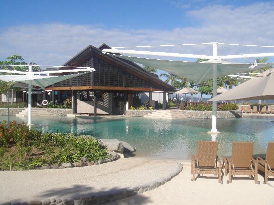 เรดิสัน บลู รีสอร์ท ฟิจิ เดนาเรา ไอส์แลนด์: part of the pool