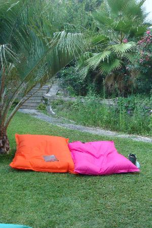 Villa Termal das Caldas de Monchique Spa & Resort : garden by the pool