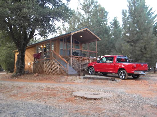 Yosemite Pines RV Resort and Family Lodging: Outside