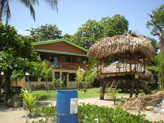 Cabinas Villa Kunterbunt: Das Haus vo Strand aus
