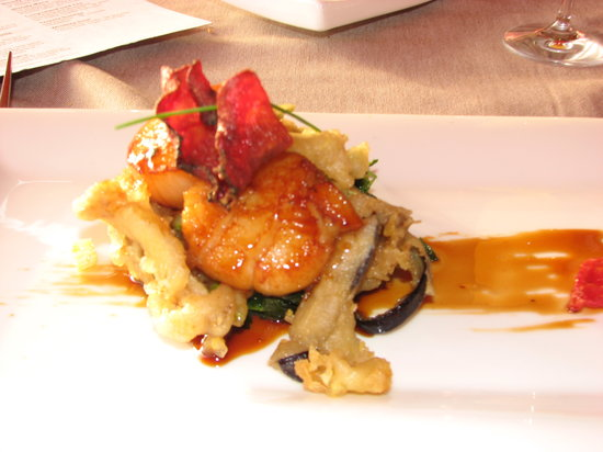 Restaurante Los Roques: Toasted scallops with palm honey