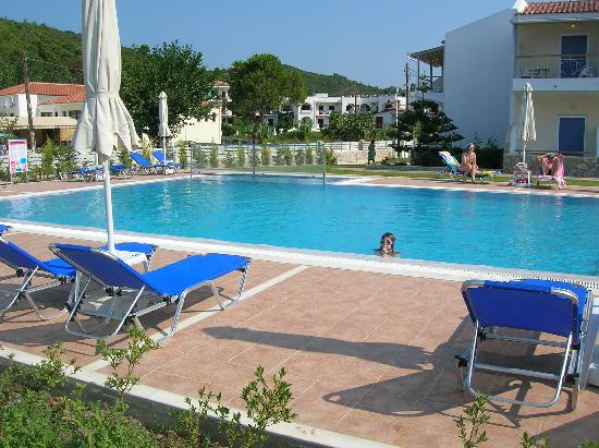 Troulos Bay Hotel: beautiful swimming pool