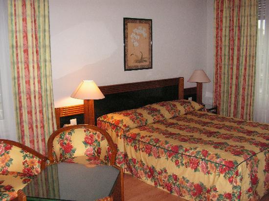Suisse Hotel: letto