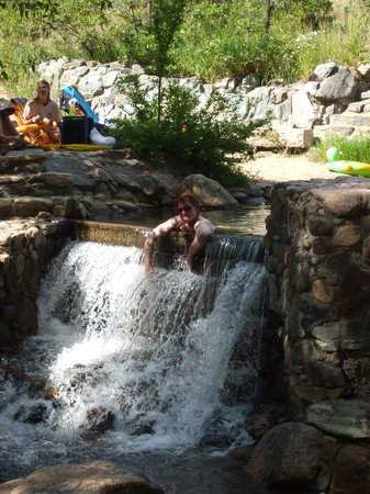 Steamboat Springs, CO: Waterfall at end of pools