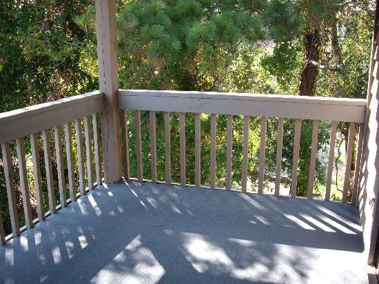 Arbor-Dry Dock: balcony overlooking pool
