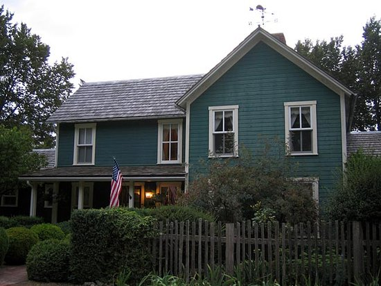 Turtleback Farm Inn : The Turtleback Inn
