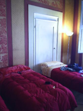 Beds at the Novella Inn
