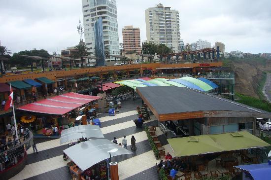 มิราฟลอเรส: Larco Mar mall