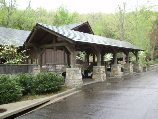 Cathedral Caverns State Park : Visitor Center