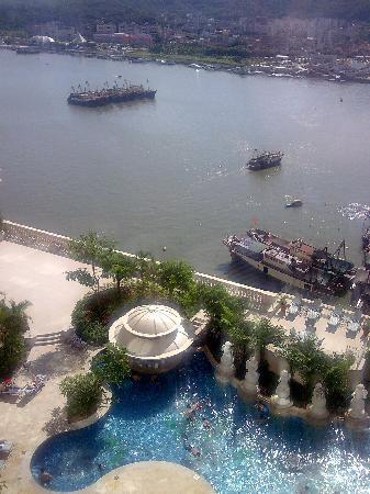 โรงแรมโซฟิเทล มาเก๊า แอท ปงต์ 16: Free-form Swimming Pool and River View