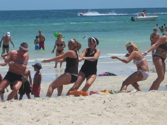 Djerba Holiday Beach: Olympiades organisés pour la fete nationale belge (21/07/09)