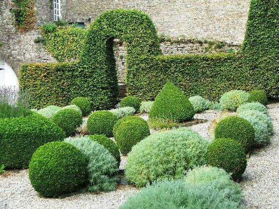 The Kingston Estate: Formal gardens