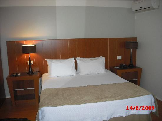 Hotel Boulevard: Comfortable bed and pillows
