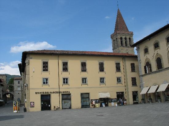 Sansepolcro, İtalya: Piazza Torre Berta