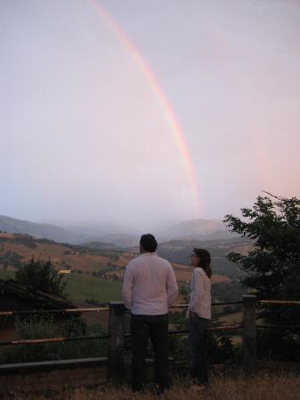 Country House Villacasabianca1573: DOUBLE RAINBOW IN LE MARCHE