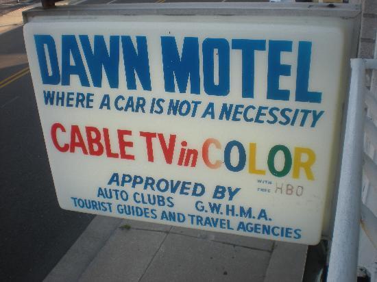 Sunset Beach Hotel: Sign outside motel advertising color TV