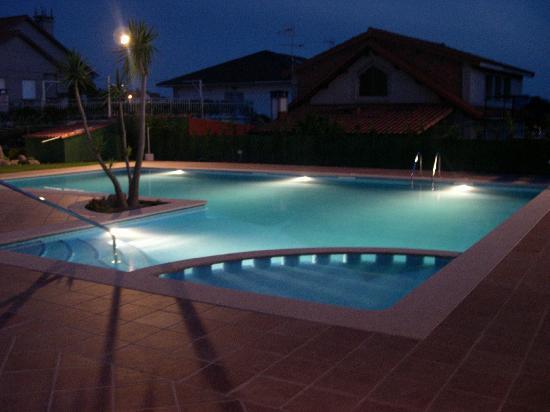 Hotel Gaivota: una piscina genial, de la que nos permitieron tambien disfrutarla de noche