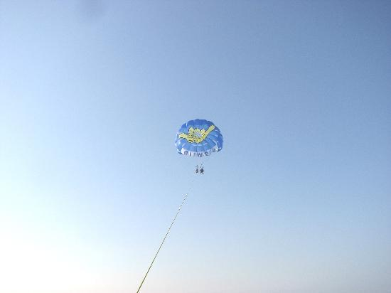 Hang Loose Parasail : We are Up