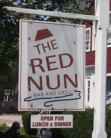 Red Nun Bar & Grill: The Red Nun