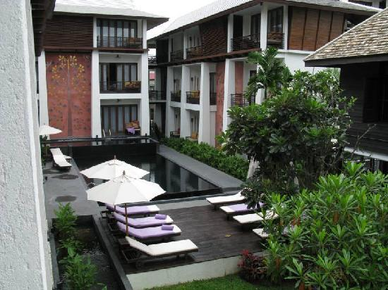 U Chiang Mai: Pool area