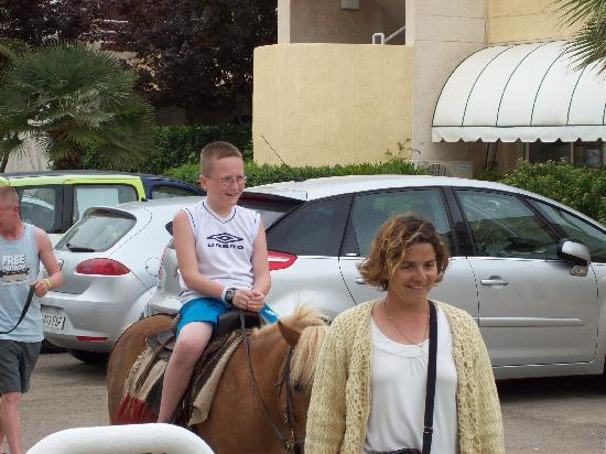 HSM Calas Park: the pony rides every thursday only 6 euro's