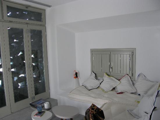 Grace Santorini Hotel : VIP Suite - Room No 44 - Sitting area
