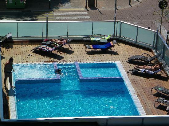 Aqua Hotel: Veduta piscina