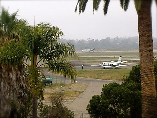 Super 8 Santa Barbara/Goleta: View from Super8 room 306. 13Aug09